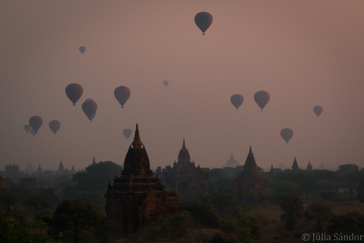 Ballons over Bagan temples