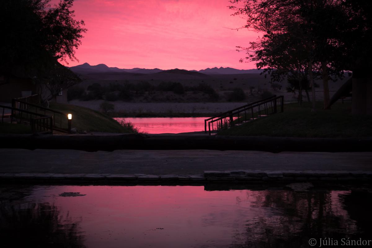 Oranje River in pink
